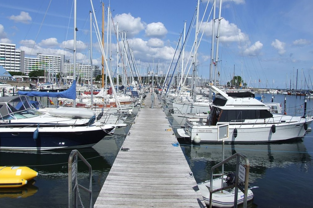 Damp Yachthafen an der Ostsee